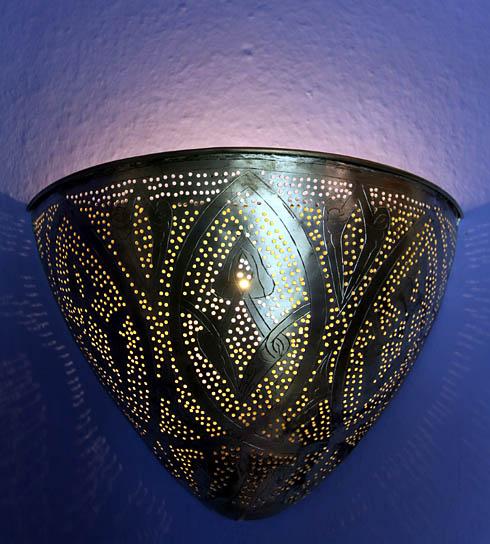 designer leuchten und lampen edelstahl holz plastik. Black Bedroom Furniture Sets. Home Design Ideas